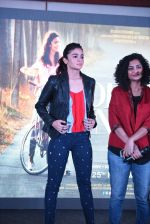 Alia Bhatt, Gauri Shinde at Dear Zindagi press meet on 22nd Nov 2016 (65)_583536d9dd266.JPG