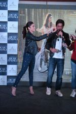 Alia Bhatt, Shahrukh Khan at Dear Zindagi press meet on 22nd Nov 2016 (19)_58353765c85b8.JPG