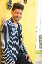 Gurmeet Choudhary at Wajah Tum Ho film promotions in Mumbai on 22nd Nov 2016 (23)_58353b6d0306a.JPG