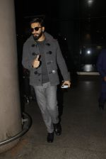 Ranveer Singh returns from UK on 22nd Nov 2016 (4)_58353aeee56f4.JPG