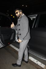 Ranveer Singh returns from UK on 22nd Nov 2016 (6)_58353af01c256.JPG