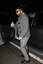 Ranveer Singh returns from UK on 22nd Nov 2016 (7)_58353af0af079.JPG