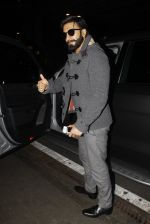 Ranveer Singh returns from UK on 22nd Nov 2016 (8)_58353af144f73.JPG