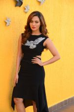 Sana Khan at Wajah Tum Ho film promotions in Mumbai on 22nd Nov 2016 (34)_58353c584d312.JPG