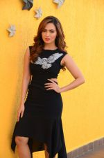 Sana Khan at Wajah Tum Ho film promotions in Mumbai on 22nd Nov 2016 (36)_58353c5c4a4ca.JPG