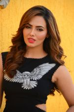 Sana Khan at Wajah Tum Ho film promotions in Mumbai on 22nd Nov 2016 (40)_58353c6861075.JPG