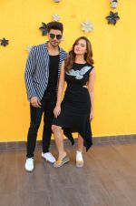Sana Khan, Gurmeet Choudhary at Wajah Tum Ho film promotions in Mumbai on 22nd Nov 2016 (87)_58353c841deb6.JPG