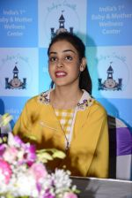 Genelia D Souza at mother baby care centre launch on 23rd Nov 2016 (13)_5836be9549fa5.JPG