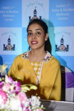 Genelia D Souza at mother baby care centre launch on 23rd Nov 2016 (14)_5836be9610210.JPG
