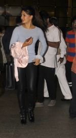 Jacqueline Fernandez snapped at airport on 23rd Nov 2016 (7)_5836be702970e.JPG