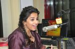 Vidya balan at Kahaani 2 Movie promotion in radio mirchi on 23rd Nov 2016 (1)_5836bda9b4a1e.JPG