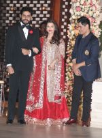 Aishwarya Rai Bachchan, Abhishek Bachchan at the Ambani_s wedding party of their niece, Isheta Salgaoncar on 24th Nov 2016  (64)_58384e0f31651.JPG