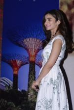 Alia Bhatt at Singapore tourism event on 25th Nov 2016 (24)_583850331a240.JPG