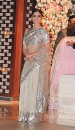 Alia Bhatt at the Ambani_s wedding party of their niece, Isheta Salgaoncar on 24th Nov 2016  (53)_58384e1eb43a1.JPG