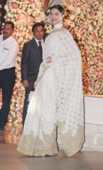Deepika Padukone at the Ambani_s wedding party of their niece, Isheta Salgaoncar on 24th Nov 2016  (79)_58384e362c3f8.JPG