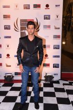 Hrithik Roshan at Peter England Mr India on 24th Nov 2016 (173)_583845a461d4b.JPG