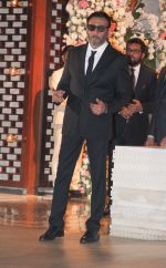 Jackie Shroff at the Ambani_s wedding party of their niece, Isheta Salgaoncar on 24th Nov 2016  (36)_58384e4609627.JPG