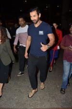 John Abraham snapped at airport on 24th Nov 2016 (3)_5838425157d4b.JPG