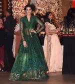 Kriti Sanon at the Ambani_s wedding party of their niece, Isheta Salgaoncar on 24th Nov 2016 (25)_58384f56901e1.JPG
