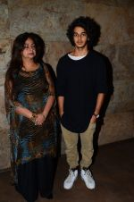 Neelima Azeem, Ishaan Khattar at Dear Zindagi screening in Mumbai on 24th Nov 2016 (33)_5838489feedff.JPG