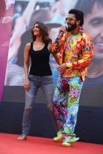 Ranveer Singh, Vaani Kapoor promote Befikre in Delhi University on 24th Nov 2016 (16)_58384915a7069.JPG