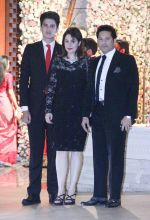 Sachin Tendulkar at the Ambani_s wedding party of their niece, Isheta Salgaoncar on 24th Nov 2016  (17)_58384ed0259ff.JPG