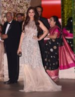 Sonali Bendre at the Ambani_s wedding party of their niece, Isheta Salgaoncar on 24th Nov 2016 (43)_58384f7ea6172.JPG