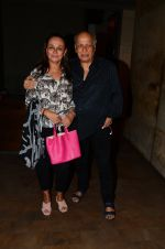 Soni Razdan, Mahesh Bhatt at Dear Zindagi screening in Mumbai on 24th Nov 2016 (30)_583848c4e22ff.JPG