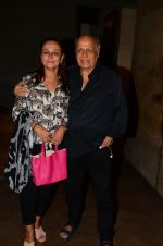 Soni Razdan, Mahesh Bhatt at Dear Zindagi screening in Mumbai on 24th Nov 2016 (32)_583848b0b8094.JPG