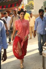 Ameesha Patel on location of a south indian movie on 25th Nov 2016 (91)_58396ec677931.JPG