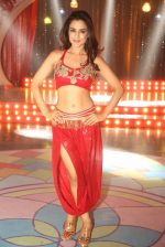 Ameesha Patel on location of a south indian movie on 25th Nov 2016 (103)_58396ed29c1de.JPG