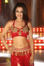 Ameesha Patel on location of a south indian movie on 25th Nov 2016 (169)_58396f350303d.JPG