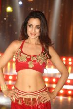 Ameesha Patel on location of a south indian movie on 25th Nov 2016 (205)_58396f5c5de2f.JPG