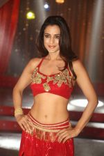 Ameesha Patel on location of a south indian movie on 25th Nov 2016 (221)_58396f6f9aea1.JPG