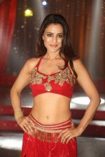 Ameesha Patel on location of a south indian movie on 25th Nov 2016 (228)_58396f78922f3.JPG