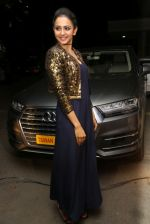 Rakul Preet Singh in Nitya Bajaj snapped on 25th Nov 2016 (25)_58396f30abd45.JPG