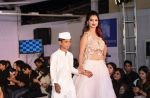 at Archana Kochhar fashion show in Mumbai on 25th Nov 2016 (74)_58396ecac3676.jpg