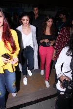 Alia Bhatt at Pet adoptation on 26th Nov 2016 (247)_583a8549322c1.JPG