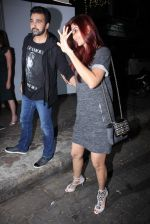 Shilpa Shetty, Raj Kundra snapped in Mumbai on 26th Nov 2016 (18)_583a86fec1ab2.JPG