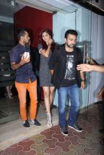 Shilpa Shetty, Raj Kundra snapped in Mumbai on 26th Nov 2016 (5)_583a86fa977ec.JPG