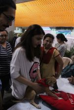 Soha Ali Khan at Pet adoptation on 26th Nov 2016 (80)_583a865c6c7d1.JPG