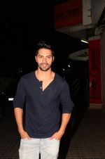 Varun Dhawan snapped at PVR on 26th Nov 2016 (11)_583a871cd9890.JPG