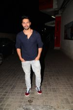 Varun Dhawan snapped at PVR on 26th Nov 2016 (3)_583a871772df7.JPG