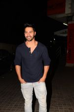 Varun Dhawan snapped at PVR on 26th Nov 2016 (6)_583a87195288d.JPG