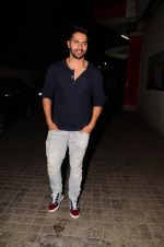Varun Dhawan snapped at PVR on 26th Nov 2016 (8)_583a871ac7fa1.JPG