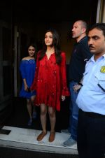 Alia Bhatt on a lunch date on 27th Nov 2016 (19)_583bd70e4654f.JPG