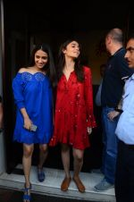 Alia Bhatt on a lunch date on 27th Nov 2016 (20)_583bd70ed4e4a.JPG