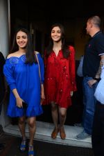 Alia Bhatt on a lunch date on 27th Nov 2016 (22)_583bd7100d16b.JPG