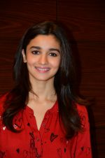 Alia Bhatt photo shoot in Mumbai on 27th Nov 2016 (7)_583bd658e63c2.JPG