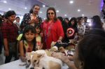 Farah Khan at pet adoption in Mumbai on 27th Nov 2016 (15)_583bdc2b24d10.jpg